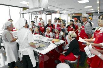 クリナップ:好評の「キッチンから笑顔をつくる料理アカデミー」今年も開講