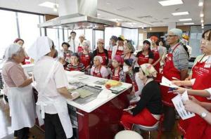クリナップ:「キッチンから笑顔をつくる料理アカデミー」を開催