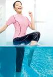 ワコールHD:水の中のエクササイズに適した水着『アクアコンシャス』登場